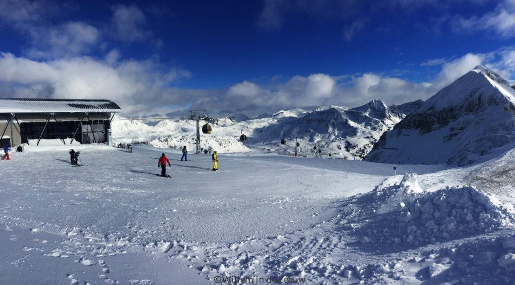 Skiing Obertauern Austria