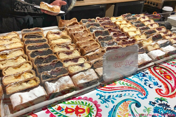 7 things to eat in Budapest: Strudel